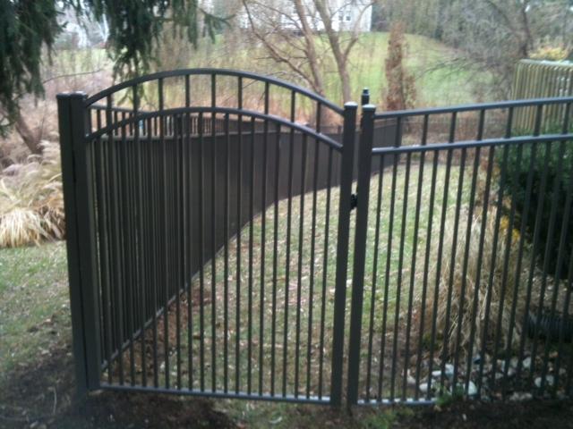 Siskin Style Aluminum Fence